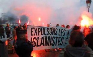 Irruption d'un groupe d'extrême droite au rassemblement lillois.