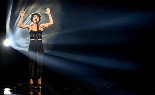 Barbara Pravi sur la scène de l'Eurovision, lors d'une répétition, le 19 mai 2021 à la Ahoy Rotterdam (Pays-Bas).