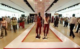 Elle vient d'inaugurer deux magasins au Pakistan, un en Birmanie, mais c'est au coeur de la Catalogne que chaque modèle de la collection est dessiné: Mango a déjà conquis une centaine de pays avec sa mode espagnole à petits prix.