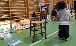 Sur les 96 sans-abriréfugiés dans le gymnase Saint-Sernin à Toulouse, il y a 51 enfants.