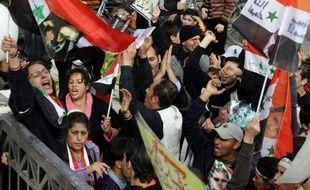 Plus de 70 personnes ont péri dans les violences lundi en Syrie, l'une des journées les plus meurtrières dans le pays secoué depuis huit mois par une révolte populaire réprimée dans le sang, a indiqué mardi par une ONG syrienne de défense des droits de l'Homme.
