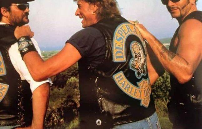 Johnny Hallyday et son blouson des Desperados, avec Jo, à sa gauche.