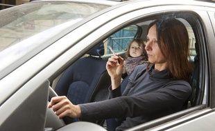 Tabac L Interdiction De Fumer En Voiture Avec Des Mineurs A Ete Votee
