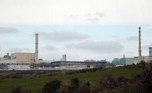 L'usine de retraitement de déchets nucléaires Areva de La Hague (Manche) était à l'arrêt mardi à la suite d'une grève contre des projets de sous-traitance de certaines activités du site
