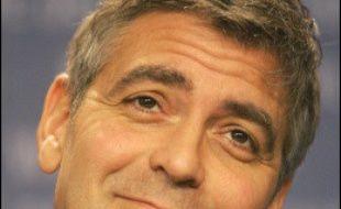 L'acteur américain George Clooney, nominé à trois reprises pour les Oscars, a révélé vendredi dans un magazine qu'il serait partant pour interpréter dans un film le rôle de Jose Mourinho, l'entraîneur portugais de Chelsea, l'équipe championne d'Angleterre de football.