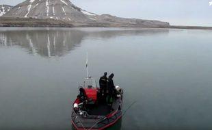 Nageurs de l'extrême en Arctique.
