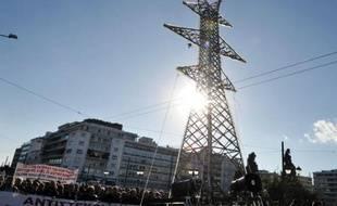 Les députés grecs ont approuvé mercredi le principe de la cession de 66% du capital de l'opérateur national du réseau électrique (ADMIE) dans le cadre du programme de privatisations auquel s'est engagé la Grèce vis-à-vis de ses créanciers.