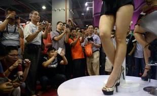 Pudibonde, la Chine? Les centaines de visiteurs jouant des coudes devant le numéro d'une star japonaise du porno lors d'un salon érotique à Canton en font douter. Le pays reste conservateur en matière de sexe, mais dans ce domaine aussi, la révolution est en marche.