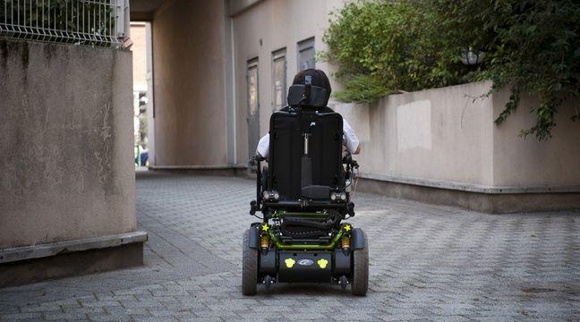 lille en panne de batterie sur son fauteuil un handicap passe une nuit dehors. Black Bedroom Furniture Sets. Home Design Ideas