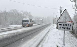 Cinquante centimètres de neige sont tombés dans l'Isère samedi soir. (illustration)