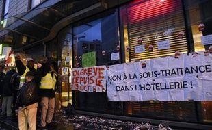Les salariés en grève de l'Holiday Inn à Clichy