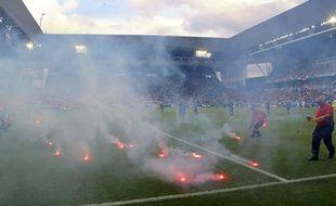 Les supporters croates ont jeté des fumigènes à Saint-Etienne le 17 juin 2016.