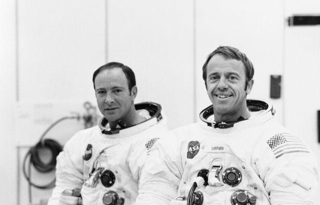 Edgar Mitchell (à gauche) en compagnie de son binôme, le commandant de la mission Apollo 14, Alan Shepard (à droite).