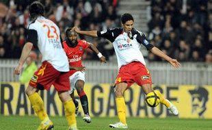 Le défenseur central lensois Raphaël Varane, le 12 février 2011, au parc des princes, contre le PSG.