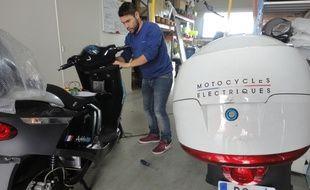 Cinquante scooters seront livrés à la ville de Paris avant cet été.