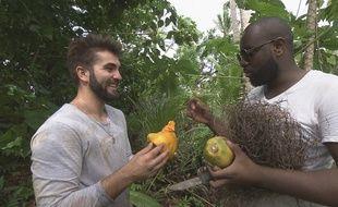 Kendji Girac (à gauche) et Maître Gim's se sont retrouvés sur une île déserte dans «L'Aventure Robinson», diffusée le vendredi 16 février sur TF1.
