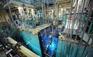 La production d'isotopes médicaux utilisés pour des examens d'imagerie médicale doit reprendre à partir du 25 novembre au sein du réacteur Osiris du Commissariat à l'énergie atomique qui vient de redémarrer après cinq mois de travaux, a annoncé jeudi le CEA.