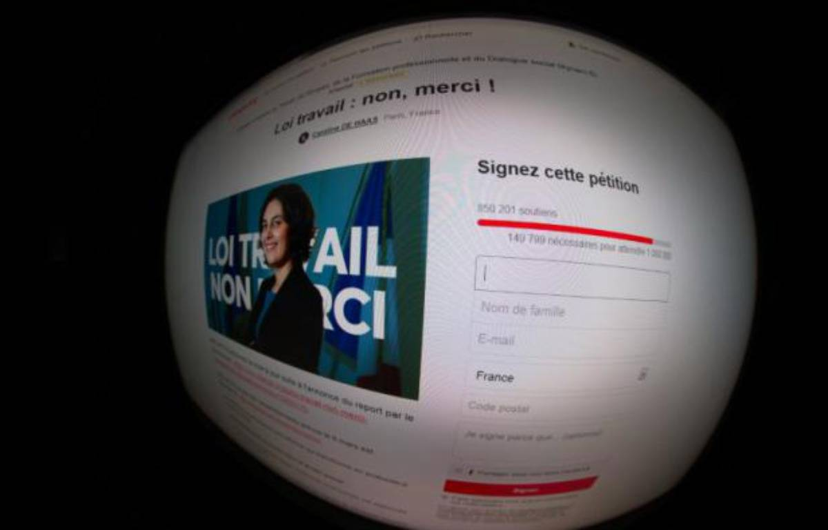 La pétition en ligne contre la loi El Khomri, le 1er mars 2016 – JOEL SAGET AFP