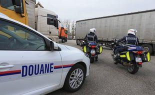 Contrôles des douanes près de Strasbourg, sur une aire d'autoroute de l'A35. Le 12 mars 2018.