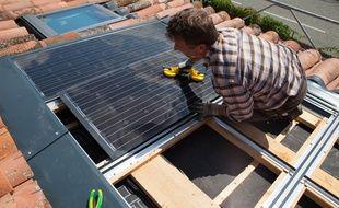 Bruno Delas, de Solarize, est à la fois électricien et couvreur dans le domaine du photovoltaïque.