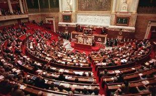 L'Assemblée débutera mardi l'examen du texte sur l'extension du travail dominical, sur demande expresse du président Nicolas Sarkozy et malgré l'hostilité conjuguée de certains députés UMP, de la gauche, des syndicats et des Eglises.