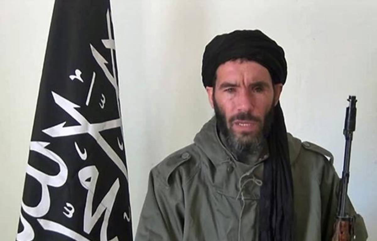 An undated grab from a video obtained by ANI Mauritanian news agency reportedly shows former Al-Qaeda in the Islamic Maghreb (AQIM) emir Mokhtar Belmokhtar speaking at an undisclosed location. Islamists are holding 41 foreigners hostage, including seven Americans, after an attack on a gas field in eastern Algeria, a spokesman for the militants told two Mauritanian news websites. AFP PHOTO / HO / ANI  – HO / ANI