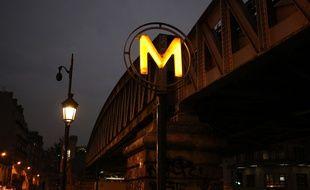 Le métro parisien, la nuit