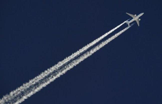 Le transport aérien se développera-t-il impétueusement d'ici à 2050 suivant la plupart des projections de trafic, ou les avions seront-ils cloués au sol par une énergie trop chère et trop rare? Spécialistes français et européens s'interrogent.
