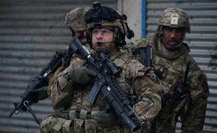 """La Maison Blanche a assuré jeudi que les Etats-Unis ne souhaitaient pas garder des bases militaires permanentes en Afghanistan après 2014 et que toute présence de soldats américains dans le pays après cette date se poursuivrait """"seulement à l'invitation"""" de Kaboul."""