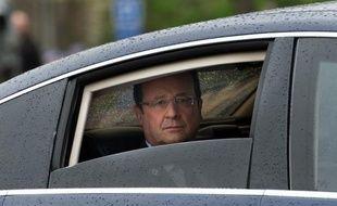 """Face à """"l'impossible réparation"""" des traites négrières et de l'esclavage, François Hollande a prôné vendredi """"la paix des mémoires réconciliées"""" auxquelles il faut """"donner un avenir"""", lors d'une cérémonie au Jardin du Luxembourg."""