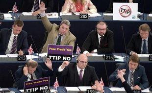 Le Parlement européen lors du vote sur l'accord de libre-échange en tractation avec les États-Unis (TTIP), le 10 juin 2015 à strasbourg en France