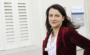 """Cécile Duflot, ministre du Logement et secrétaire nationale d'Europe Ecologie-Les Verts (EELV) a salué dimanche une """"grande et belle date dans l'histoire des Verts"""" et annoncé la """"naissance du premier groupe"""" écologiste à l'Assemblée nationale."""
