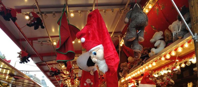 Dans les allées du marché de Noël de Strasbourg pour la réouverture trois jours après l'attentat de décembre 2018.