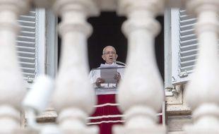 Le pape François pendant son discours le 10 février au Vatican.