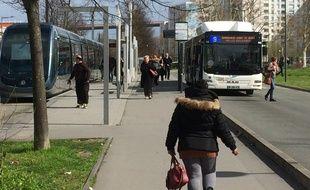 Les fréquences des trams sont de 10 minutes en heures de pointe dans ce secteur de Bacalan.