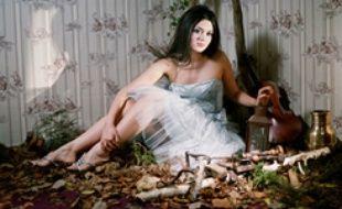 La chanteuse Emilie Simon (Universal), par Raphael Neale.