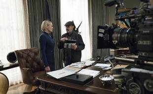 Robin Wright sur le plateau de la saison 6 de House of Cards, sous la direction de Franck Pugliese