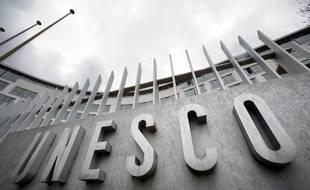 L'Unesco a mis fin aux fonctions de Frank La Rue, son numéro 3, visé par des accusations de harcèlement sexuel.