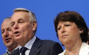A six jours du premier tour en France métropolitaine, les Français expatriés ont donné l'avantage à la gauche dans sept circonscriptions sur onze, un résultat immédiatement salué par le premier ministre Jean-Marc Ayrault et Martine Aubry, la première secrétaire du PS.