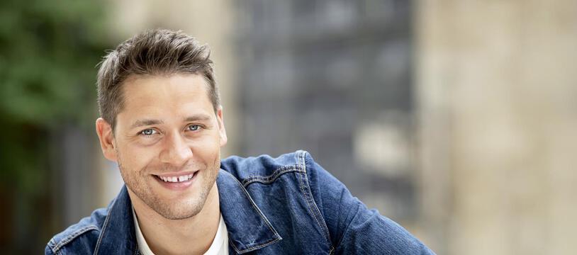 Tom Mathis est âgé de 31 ans.