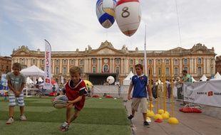 FestOval attend petits et grands sur la place du Capitole.