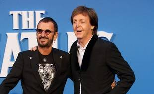 Les anciens Beatles Ringo Starr et Paul McCartney