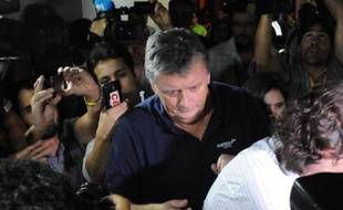 Le Britannique Ray Whelan à son arrivée le 7 juillet 20104 dans les locaux de la police à Rio de Janeiro après son arrestation
