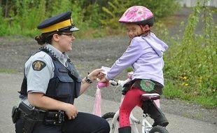 Au Canada, les policiers donnent des bons points aux bons conducteurs...