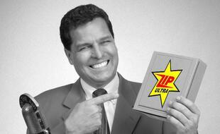 Parodie kitsch d'un vendeur de télé-achat des années 1960