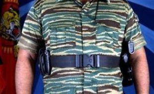 """""""L'armée est à la poursuite du chef des Tigres de libération de l'Eelam tamoul (LTTE), Velupillai Prabhakaran, retranché dans la jungle."""