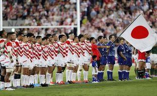 L'équipe japonaise de rugby avant son match contre l'Afrique du Sud, à Kumagaya, près de Tokyo, le 6 septembre 2019.