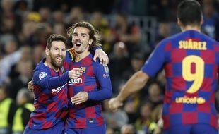 Les joueurs du Barça célèbrent un bu