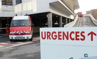Une explosion accidentelle, due à une manipulation d'acide, jeudi dans un lycée à Sélestat (Bas-Rhin), a fait un blessé léger, selon les pompiers qui avaient dans un premier temps parlé d'un blessé grave.