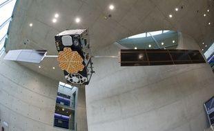 Un modèle de satellite Galileo exposé dans le centre aérospatial allemand (image d'illustration).